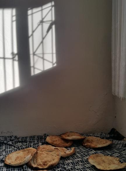 ekmek ve duvar